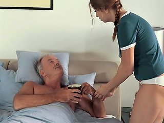 Sexy Teen Lets Dad Finger Her Fuck Her She Swallows Cum