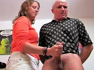 Young Wife Handjob Drtuber